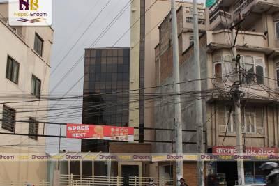 कुलेश्वोर, सानिमा बैंक नजिकै ५ तल्ले नँया भवन व्यावसायिक प्रयोजनको लागि भाडामा |